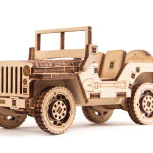Modell aus Holz Jeep für Kinder. Dies Holzbausatz für Kinder besteht aus 45 Teilen und kann online eingekauft werden.